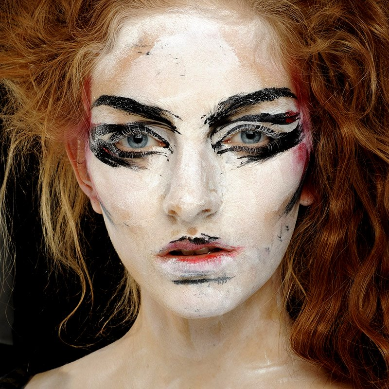 5 Cool Halloween Makeup Tutorials from Youtube
