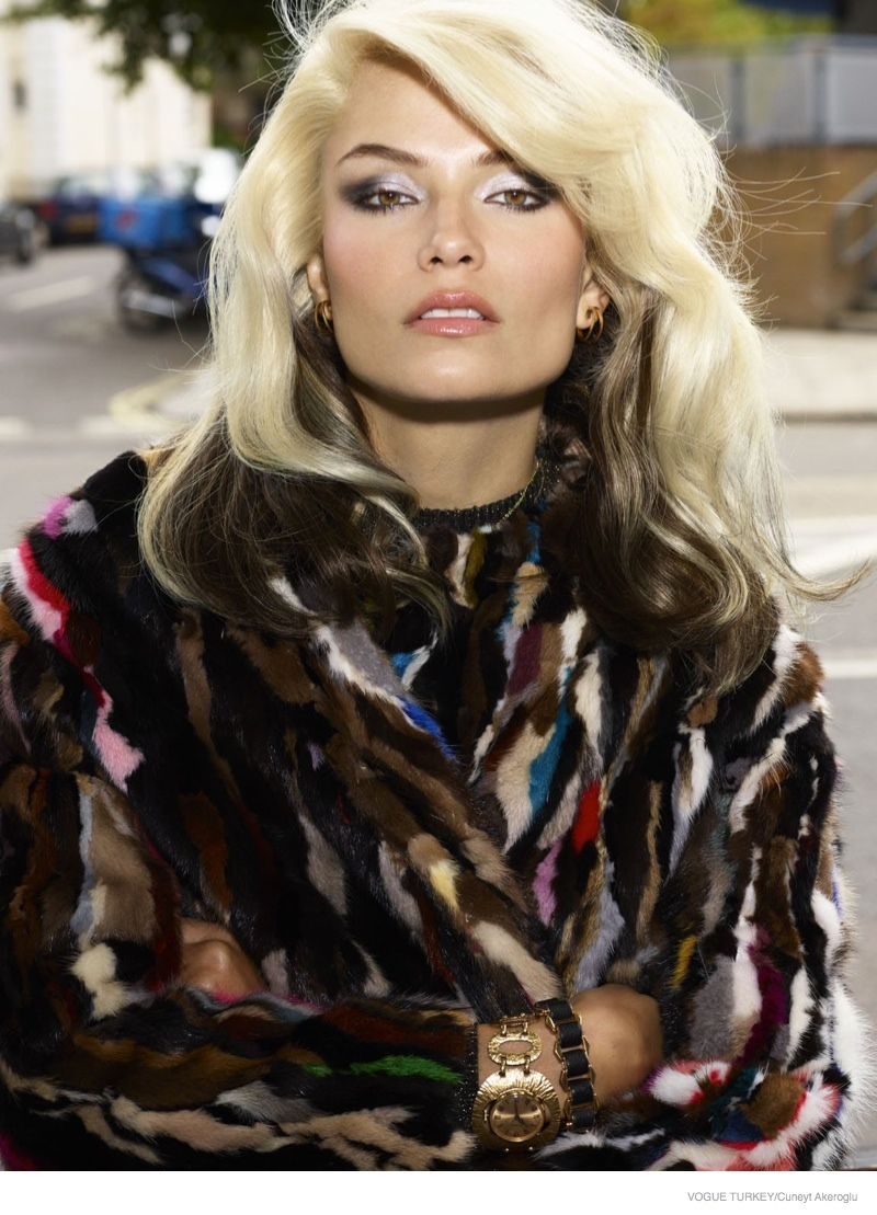 Natasha Poly Wears 1980s Style Inspired By Blondie For