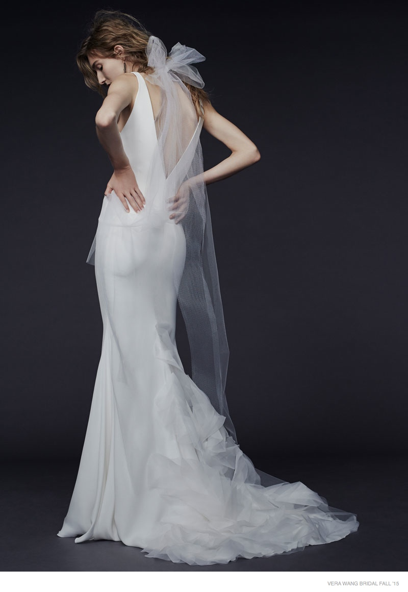 Vera wang bridal 2015 fall wedding dresses for Vera wang used wedding dress