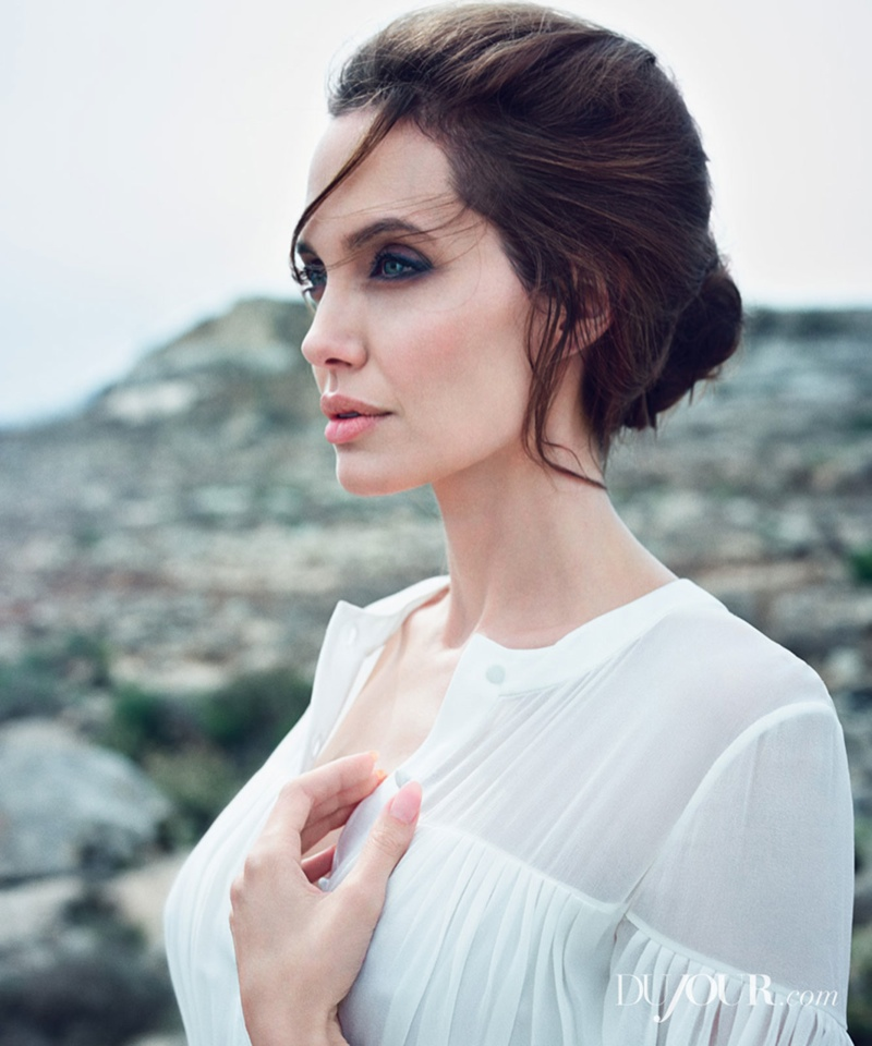 angelina-jolie-dujour-magazine-winter-2014-02