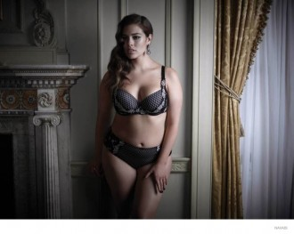 ashley-graham-navabi-lingerie-photos02