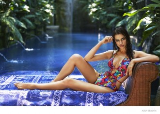 irina-shayk-swimsuit-2015-photos08