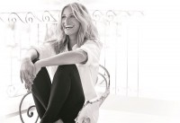 Julia Roberts Travels Europe in New Commercial for Calzedonia