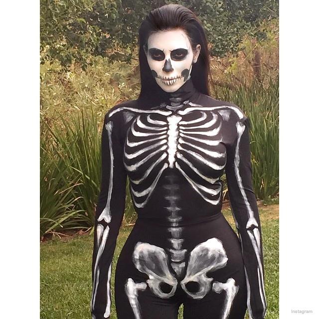 kim-kardashian-skull-halloween0