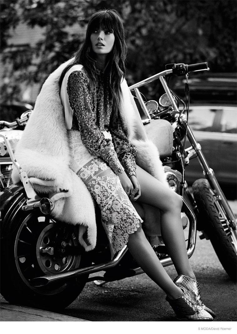 lily-aldridge-s-moda-november-2014-3