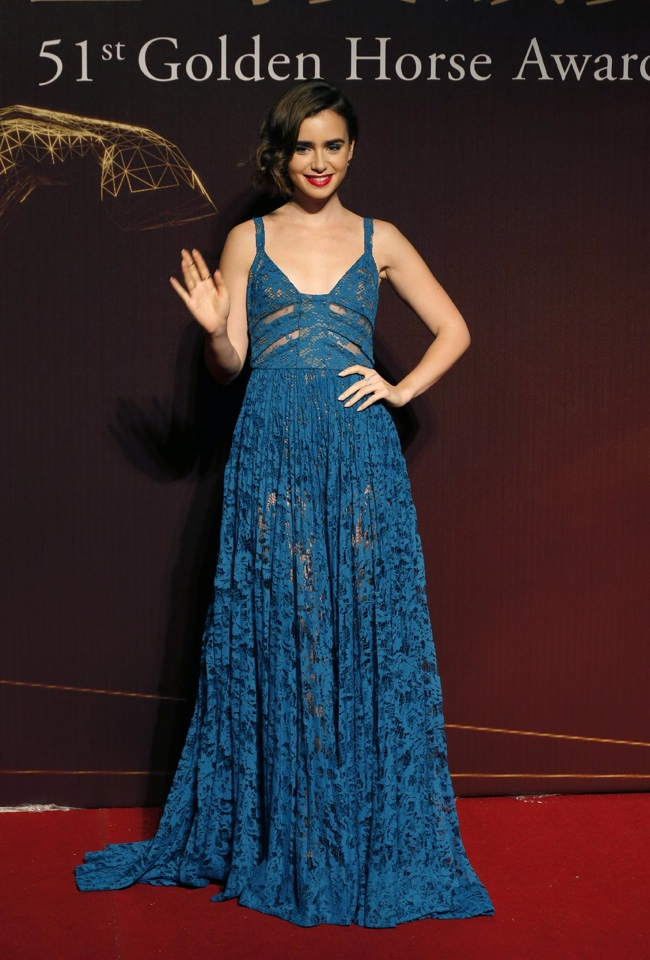 lily-collins-elie-saab-blue-dress01
