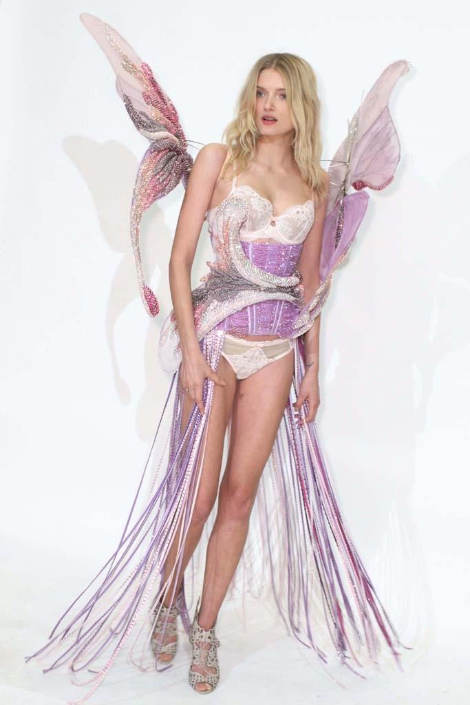 Lily Donaldson in Victoria's Secret Look + More Show Details!