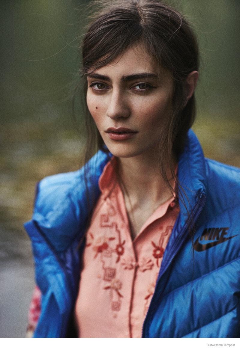 marine deleeuw model02 Marine Deleeuw Wears Outdoors Fashion for Bon by Emma Tempest