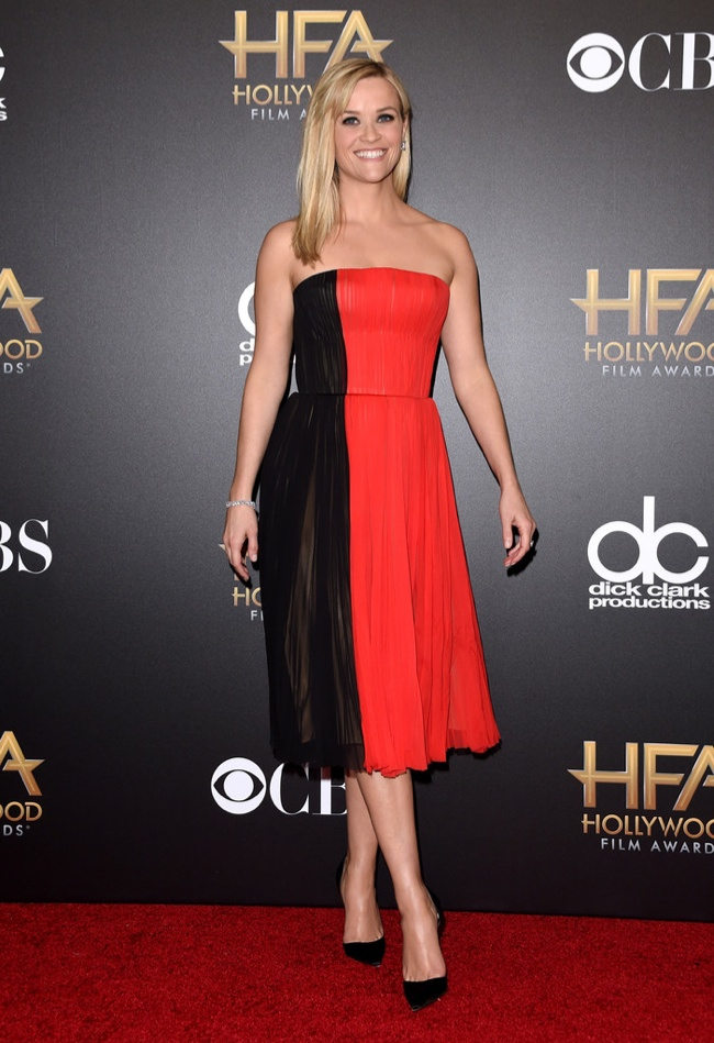 Reese Witherspoon opted for a color-blocked J. Mendel dress