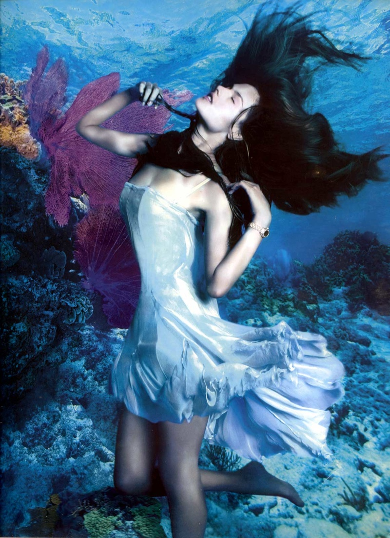 TBT: Alessandra Ambrosio + Karolina Kurkova Model Underwater for 2005 Rolex Ads