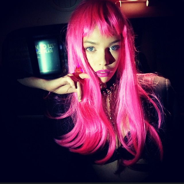 Stella Maxwell donned a pink wig