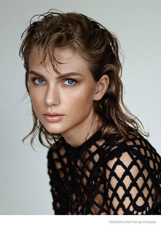 taylor-swift-wonderland-photoshoot-2014-03