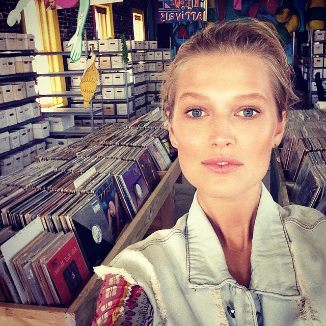 Toni Garrn shares image in a record store