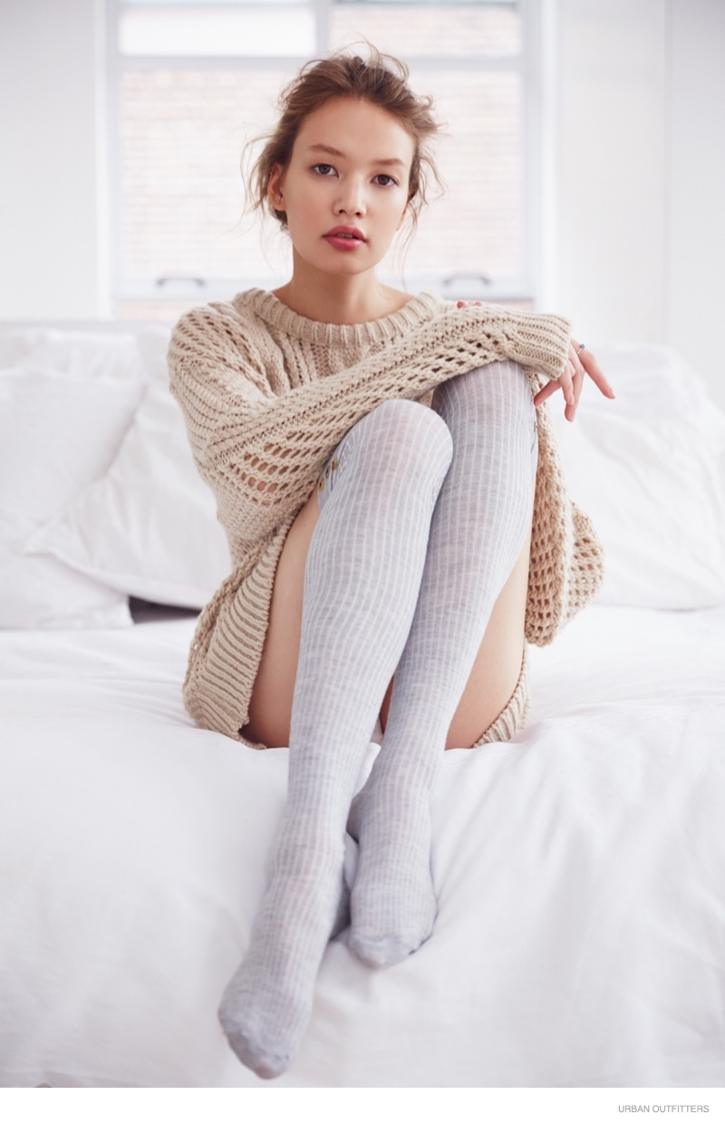urban-outfitters-sweaters-photoshoot01