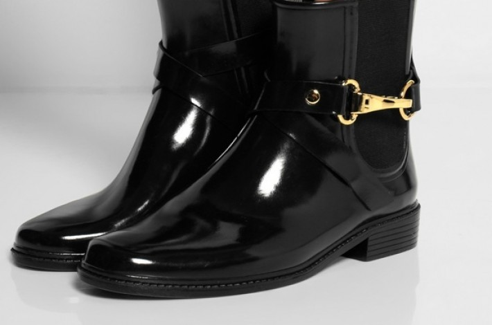 burberry-glossed-ruber-rain-boots