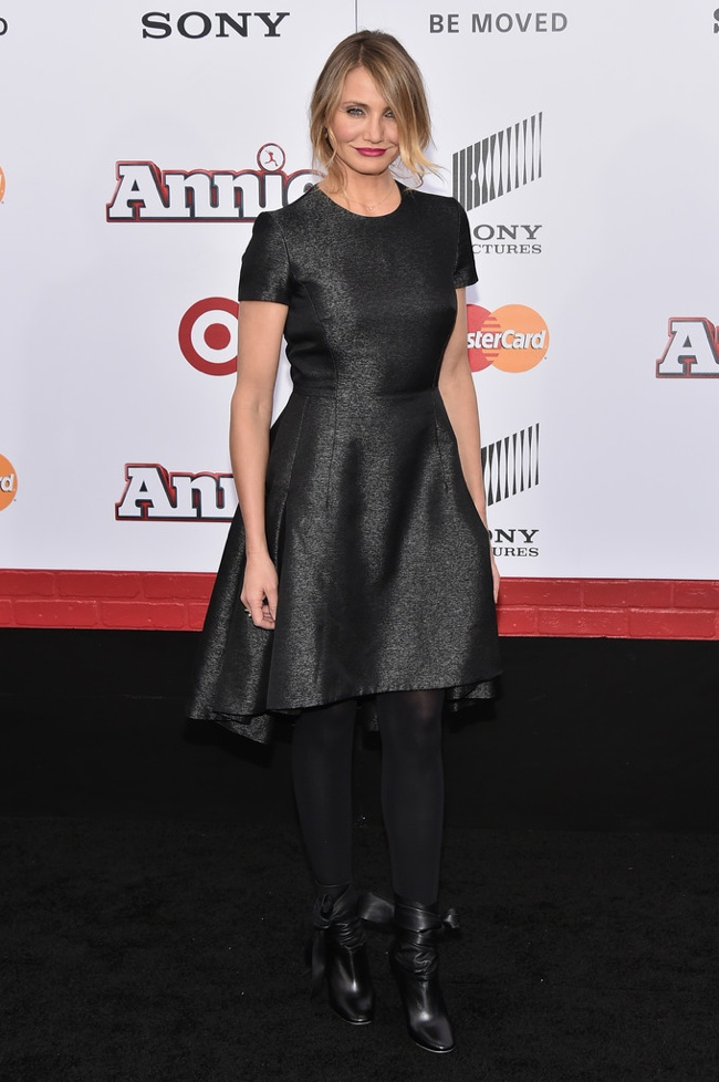 "Cameron Diaz Wears Black Dior Tweed Dress at ""Annie"" New York Premiere"