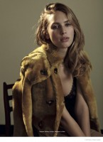 Dylan Penn Shows Off Her Modeling Skills in Cover Shoot for L'Officiel Italia
