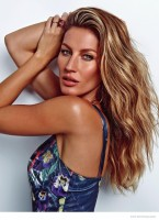 Gisele Bundchen Celebrates 20 Years of Modeling in Feature for Istoe Gente