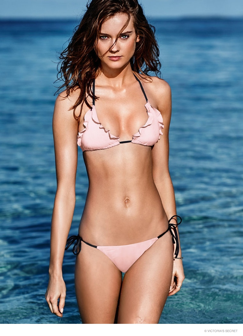 Jac Jagaciak Wows in Victoria's Secret Swimsuit Shoot