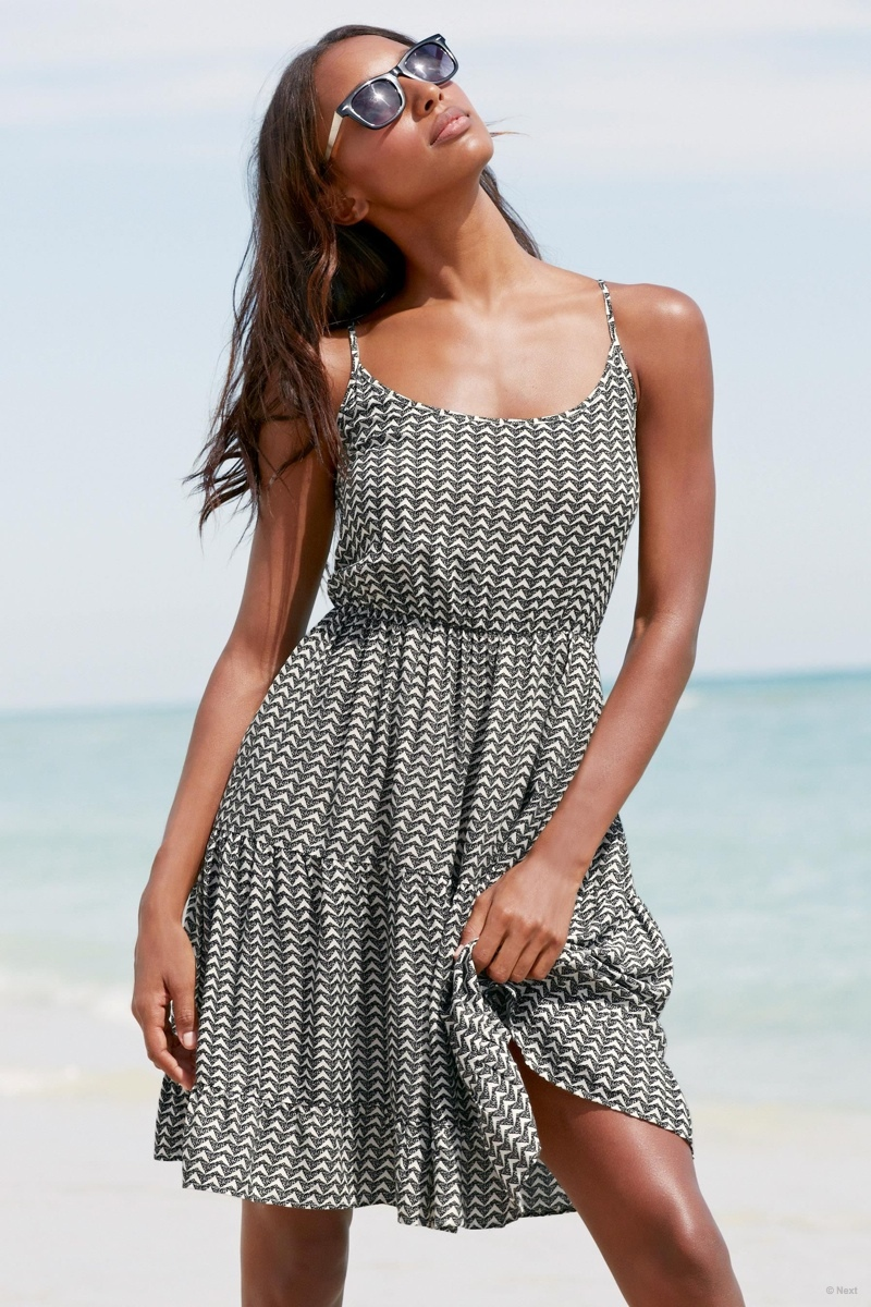 jasmine-tookes-beach-shoot-next01