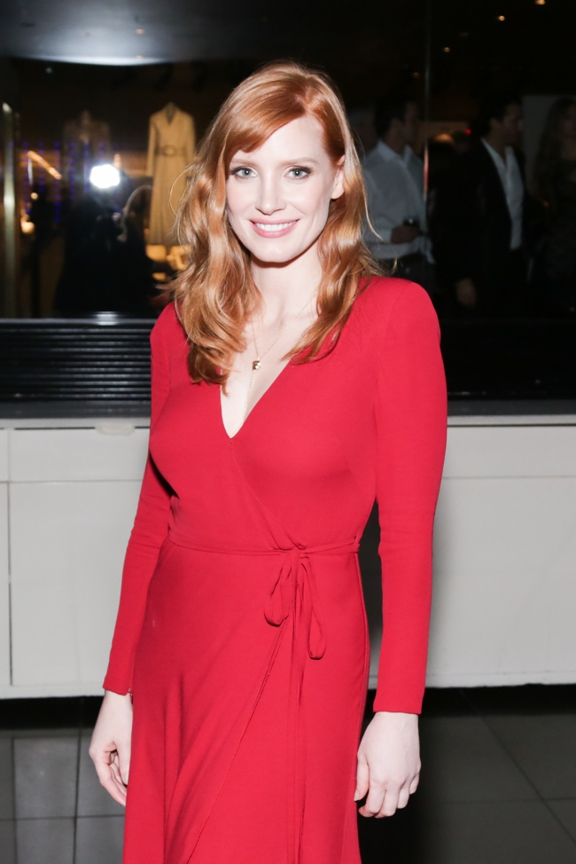 "Jessica Chastain is a Vision in Red Armani Gown at ""A Most Violent Year"" Premiere in NY"