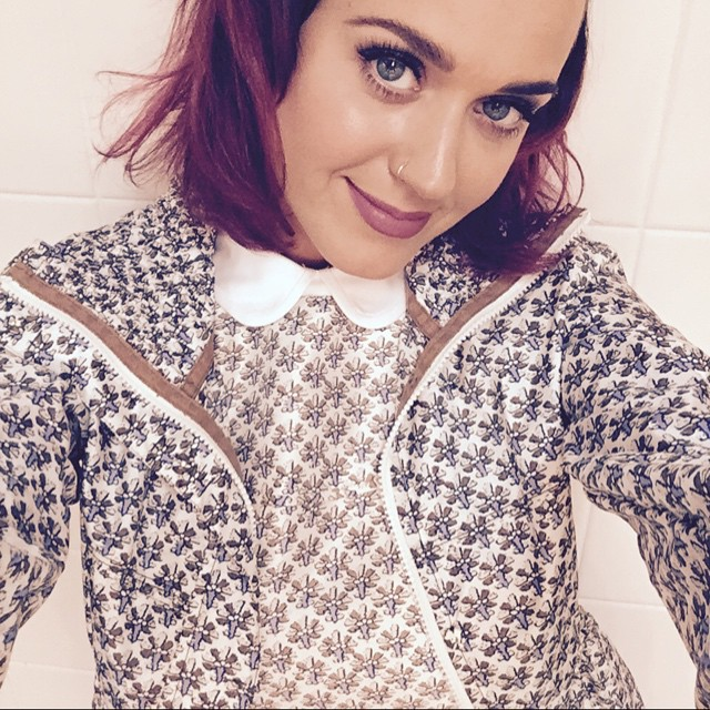 Katy Perry shows off a new purple hair color. Do you like the look? Photo: Instagram