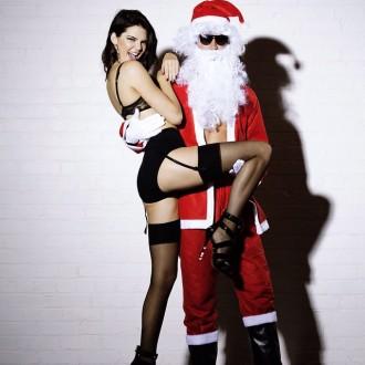 kendall-jenner-santa-lingerie