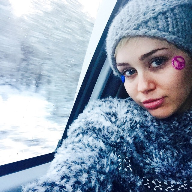 Miley Cyrus Posts Topless W Photo, Instagram Deletes It