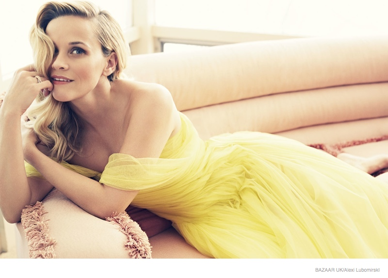 reese-witherspoon-harpers-bazaar-uk-january-2015-02