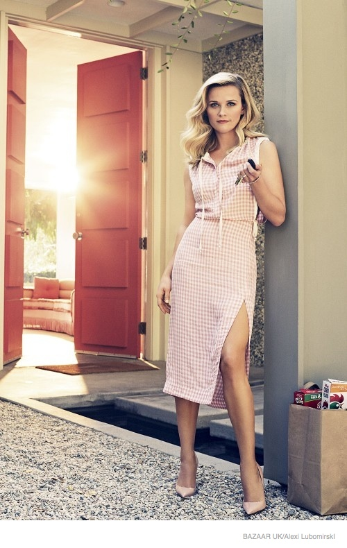 reese-witherspoon-harpers-bazaar-uk-january-2015-04