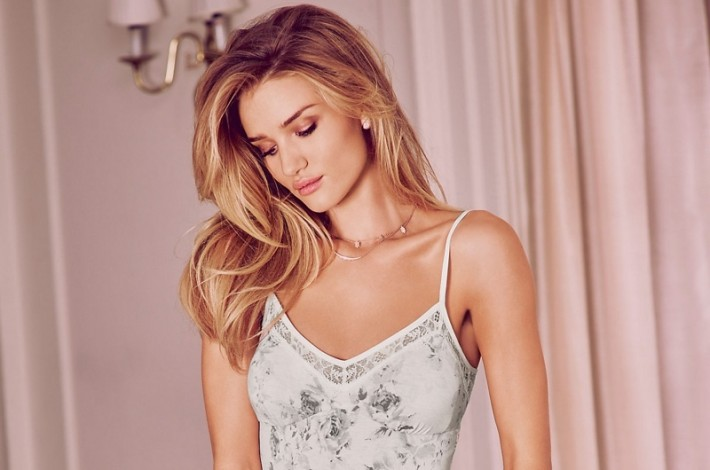 rosie-huntington-whiteley-autograph-pajamas-lingerie-pictures02