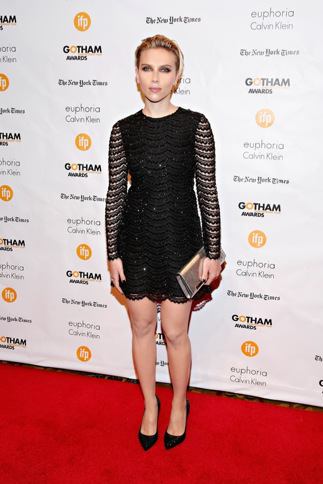 scarlett-johansson-black-sparkly-saint-laurent-dress01