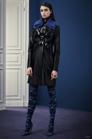 Versace Gets Graphic for Pre-Fall 2015 Collection