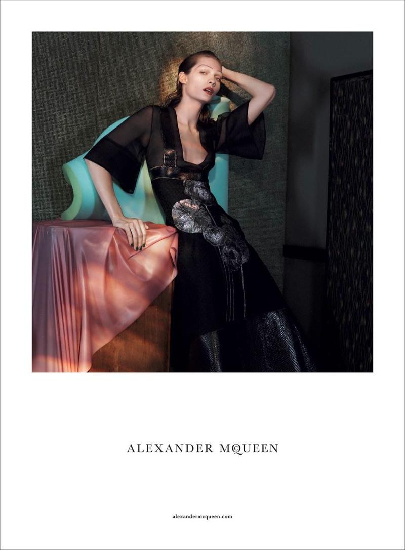 ALEXANDER MCQUEEN SPRING 2018 AD CAMPAIGN