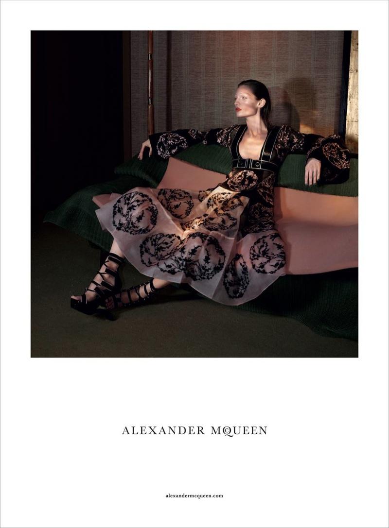 alexander-mcqueen-spring-summer-2015-ad-campaign04