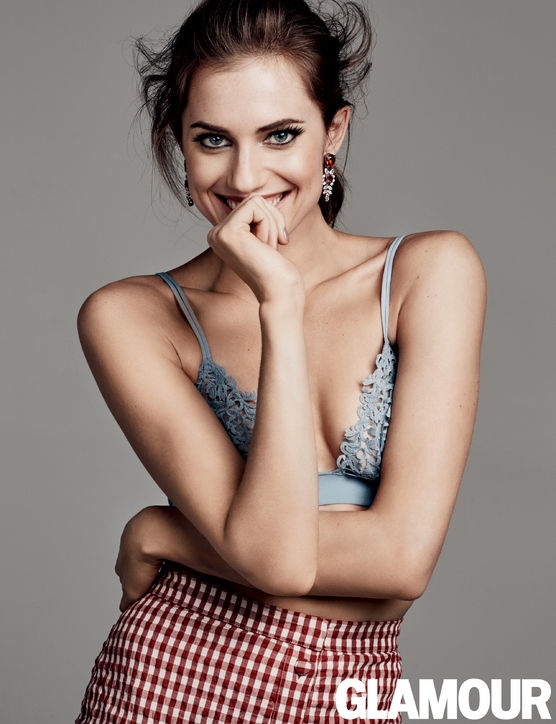 allison-williams-glamour-february-2015-photos3
