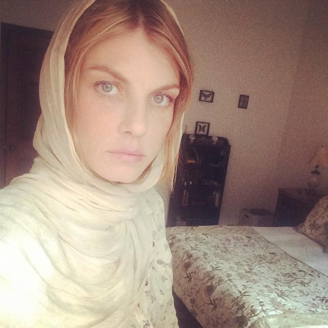 Angela Lindvall rocks a scarf around her head