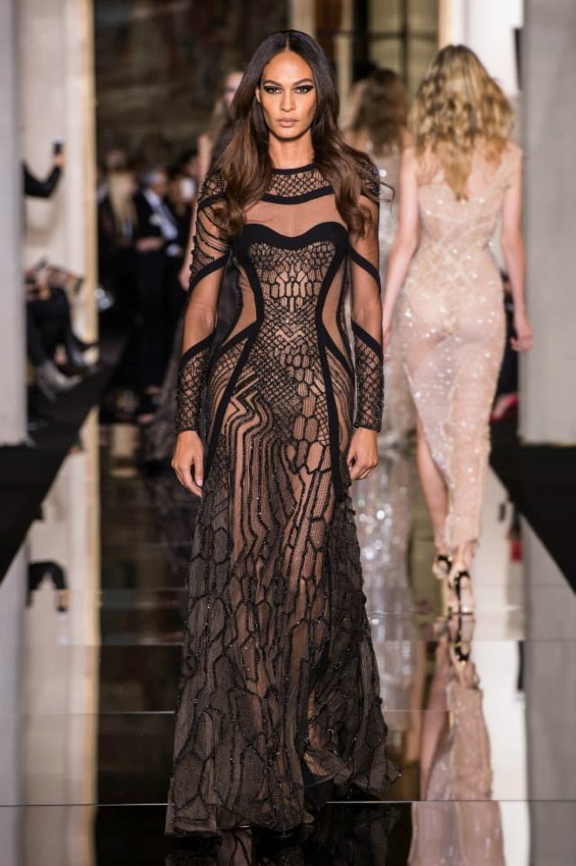 Atelier versace spring 2015 the curve of couture for 2015 haute couture