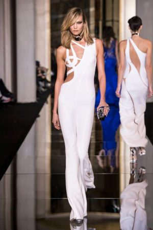 Atelier Versace Spring 2015: The Curve of Couture