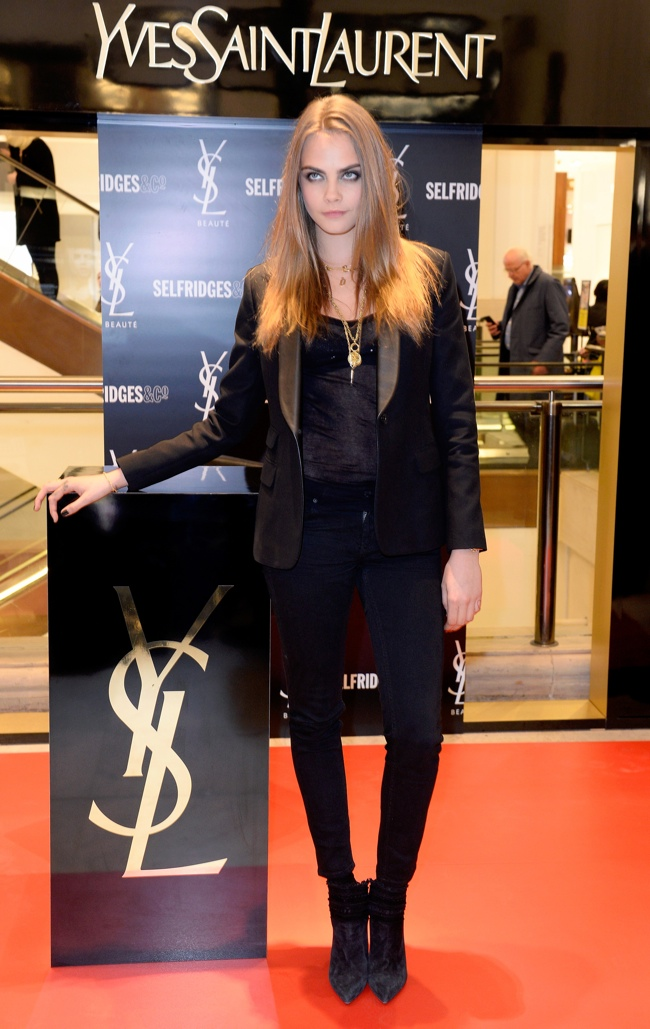 cara-delevingne-ysl-selfridges-event-photos02
