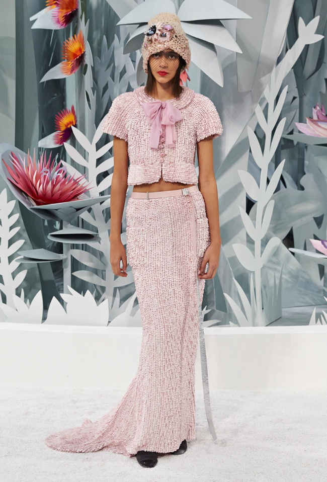 Chanel throws a garden party for spring 2015 couture show for Chanel haute couture 2015