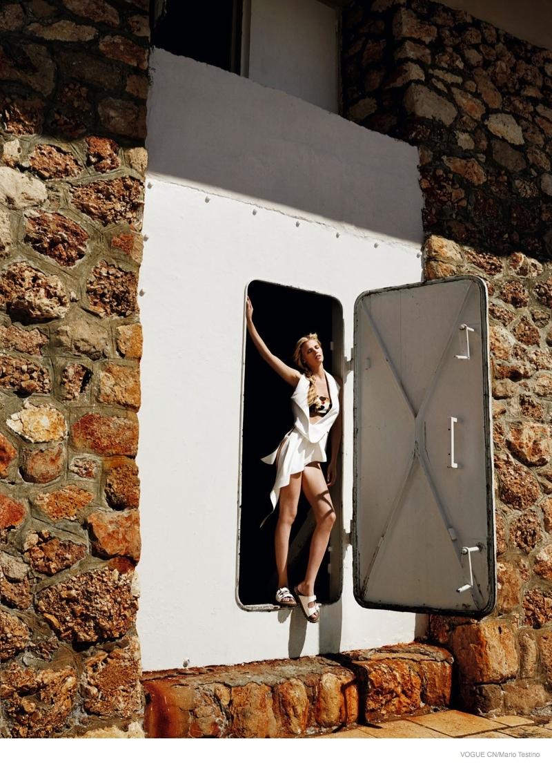 lara-stone-getaway-style-fashion02