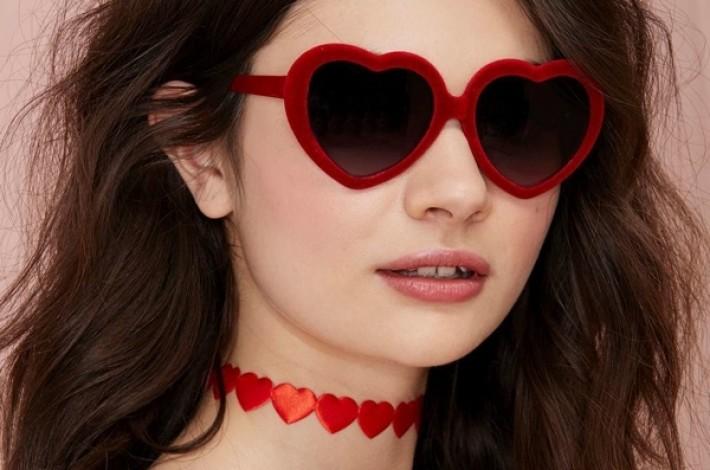 lolita-velvet-sunglasses-heart-shaped