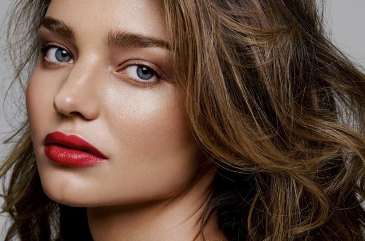 miranda-kerr-lipstick-makeup-2015-02