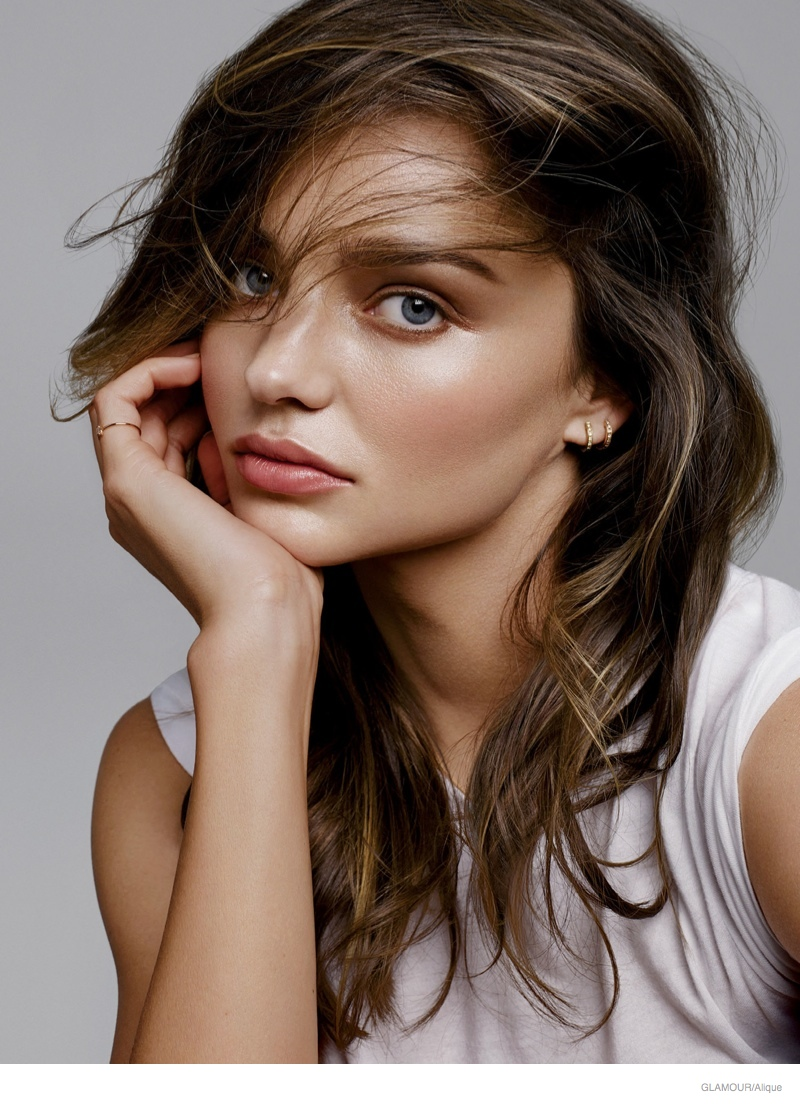 Miranda Kerr Takes On Spring S Hottest Lipstick Shades In