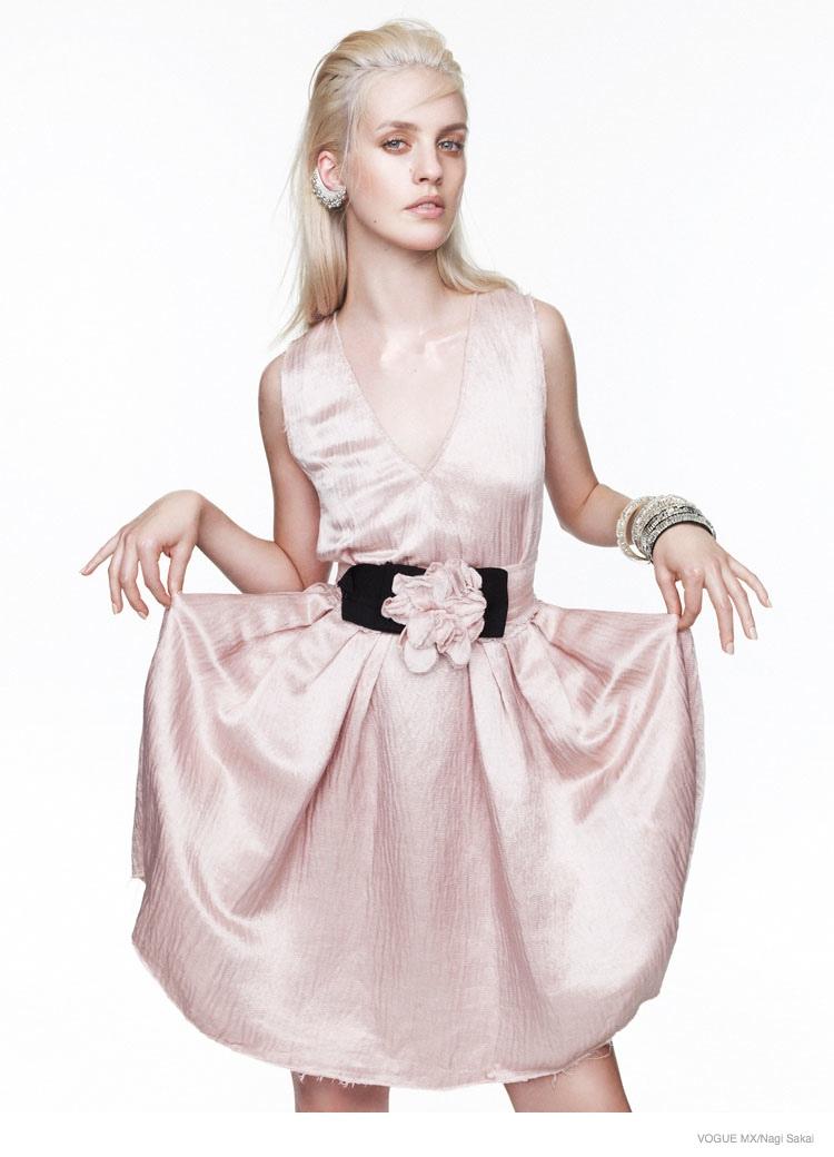 pink-fashion-editorial-nagi-sakai05
