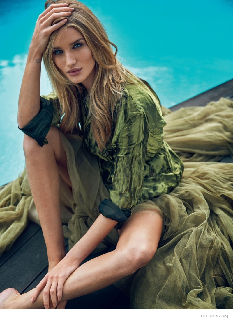 Rosie Huntington-Whiteley Tries on the Spring Fashion Trends for Elle UK