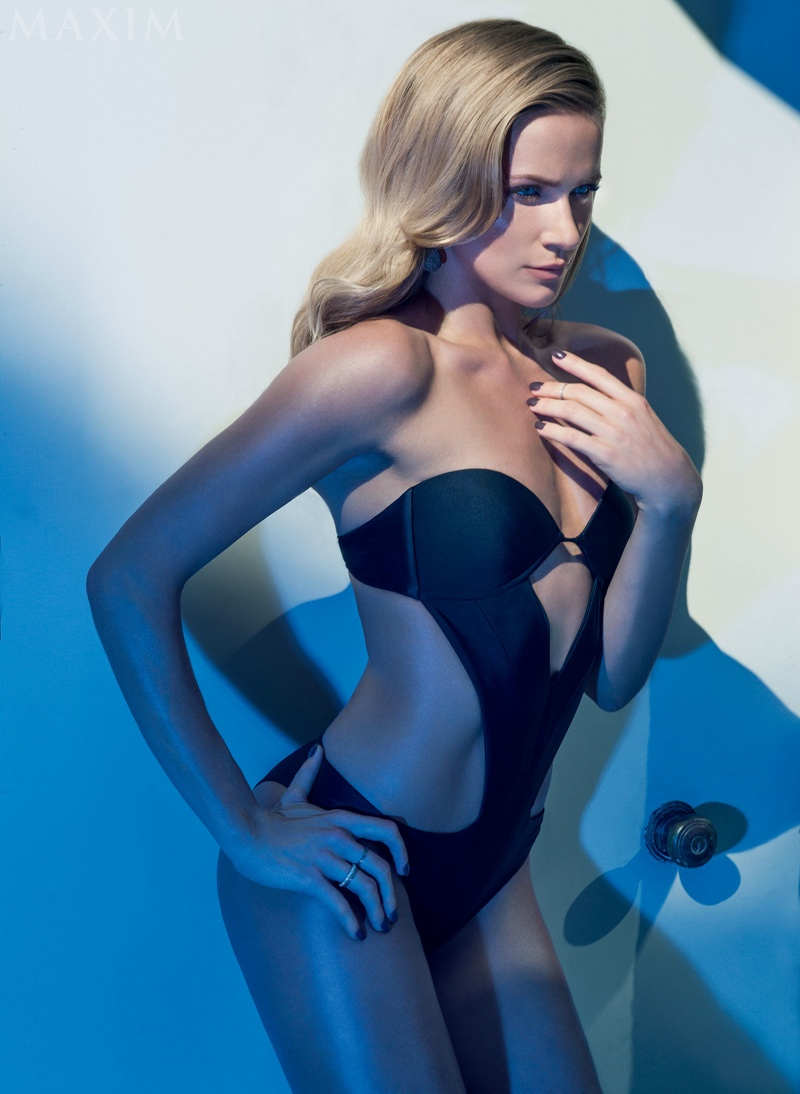 The Messengers Shantel Vansanten Poses In Swimsuits For Maxim