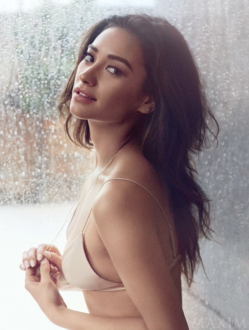 shay-mitchell-maxim-magazine-february-2015-photos03