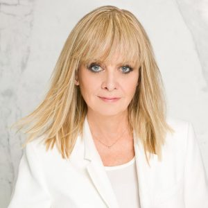 At 65, Twiggy Named Face of L'Oreal Professionnel